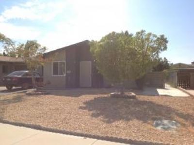 Cute 55+ home in Hemet, CA for Rent.