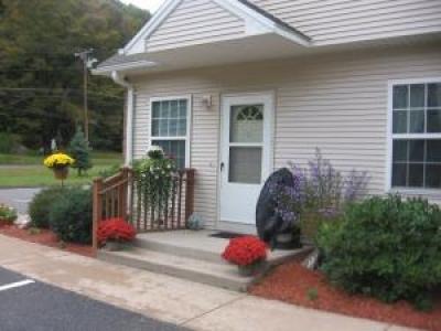 Canterbury Village - Senior Housing in New Hartford CT