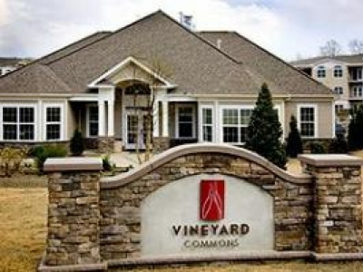 Vineyard Commons Active Adult Luxury Apartments in Highland NY