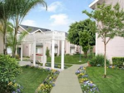 Sagewood Gardens Apartments for Active Senior Living CA